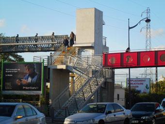 1 000 000 € pour une passerelle et des ascenseurs qui ne mènent nulle part.
